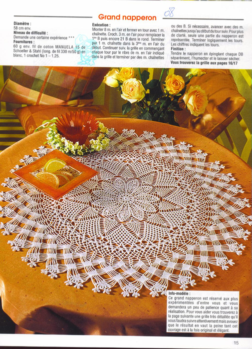 Grande bel centro tavolo all'uncinetto