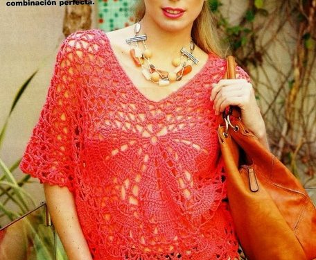 Poncho originale ed elegante all'uncinetto