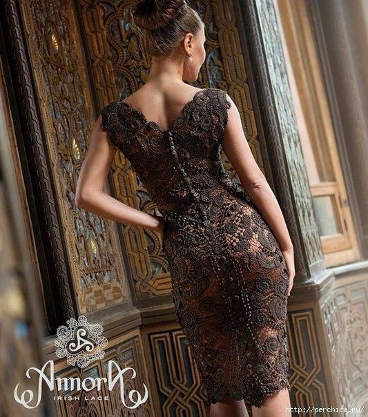 Magnifico abito con merletti irlandesi all'uncinetto