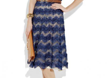 Favoloso abito blu con forcella e uncinetto