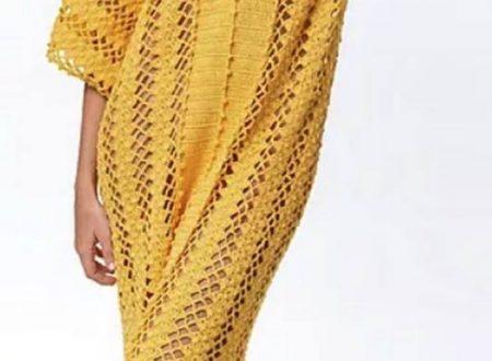 abito giallo a forma di caftano all'uncinetto