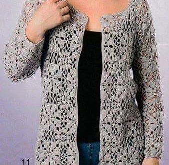 giacca grigio perla all'uncinetto composta da quadretti