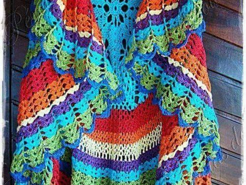 coloratissimo gilet con forma insolita