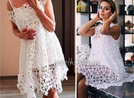 Stupendo abito bianco con moduli all'uncinetto
