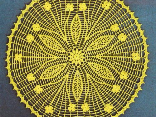Centrino giallo con motivo stupendo