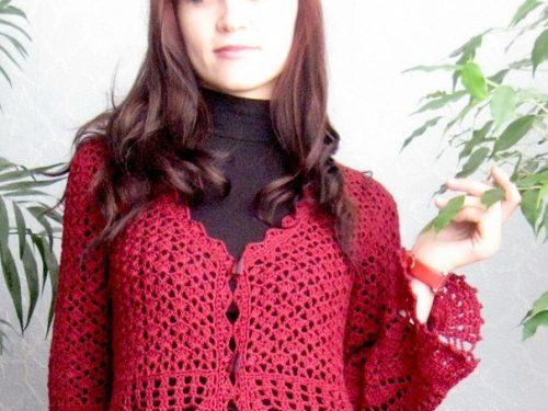 Bellissima giacca colore porpora all'uncinetto