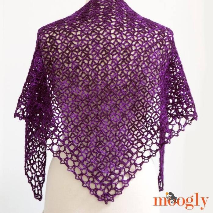 Meraviglioso scialle con filo nuance del colore viola